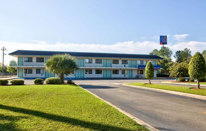 Motel 6 Valdosta University - Valdosta - Rakennus