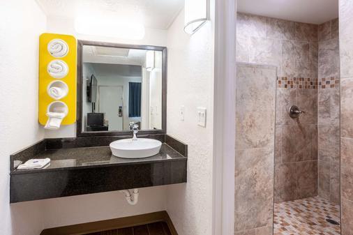 Motel 6 Valdosta University - Valdosta - Banheiro