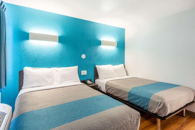 Motel 6 Valdosta University - Valdosta - Makuuhuone