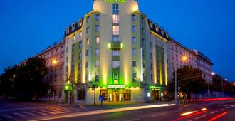Plaza Prague Hotel - Praga - Edificio