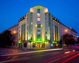 Plaza Prague Hotel - Praga - Building