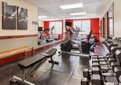 Country Inn & Suites Red Wing - Red Wing - Gym