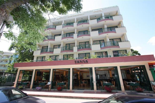 譚雅酒店 - 內塞巴爾 - 建築
