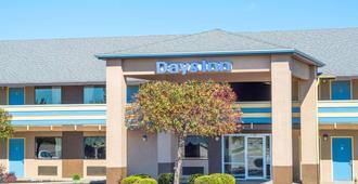 Days Inn by Wyndham Dayton Huber Heights Northeast - דייטון