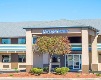 Days Inn by Wyndham Dayton Huber Heights Northeast - Dayton - Gebouw