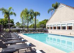 Residence Inn by Marriott Anaheim Placentia/Fullerton - Placentia - Pool