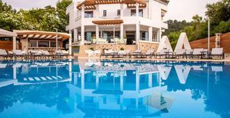 Poseidon Hotel - Псатопиргос