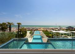 Hotel Le Soleil - Jesolo - Pool