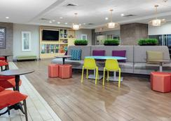Home2 Suites by Hilton Fayetteville, NC - Fayetteville - Lounge