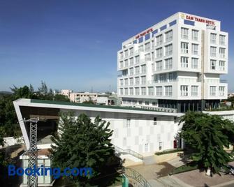 Cam Thanh Hotel - Quang Ngai - Building