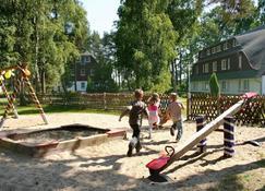 SEETELHOTEL Kinderresort Usedom (vorm. Familienhotel Waldhof) - Trassenheide
