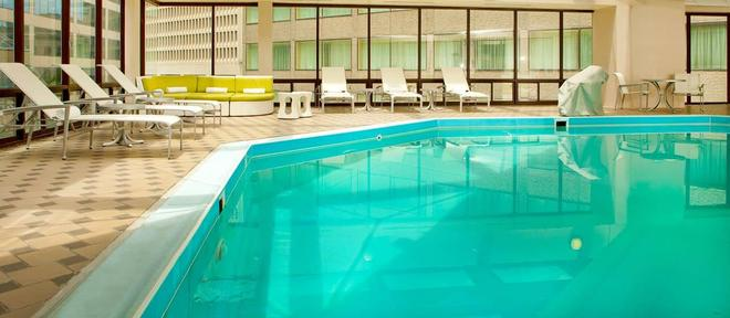 DoubleTree by Hilton Nashville Downtown - Νάσβιλ - Πισίνα