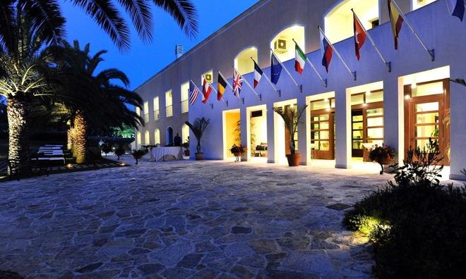 Gallipoli Resort - Gallipoli - Building