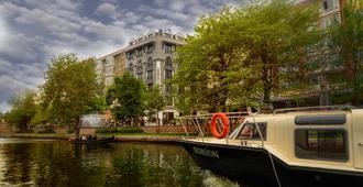Sennacity Hotel - เอสเกซีเฮียร์