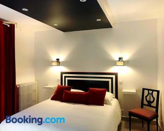 coté remparts - Provins - Bedroom