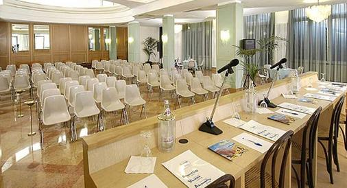 Hotel Vienna Touring - Riccione - Meeting room