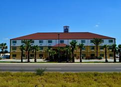 16 Best Hotels in Laredo, Texas  Hotels from $42/night - KAYAK