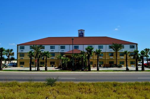 Best Western San Isidro Inn - Laredo - Building