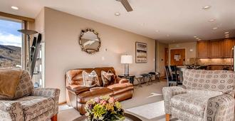 Simba Run Condos 2Bed/2Bath - Vail - Living room