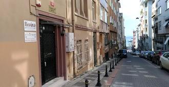 Kevin's Hostel - Istambul - Vista externa