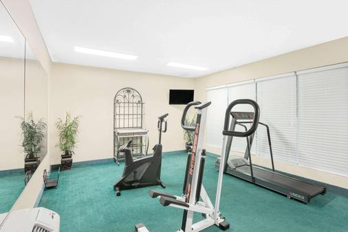 Baymont Inn And Suites Meridian - Meridian - Gym