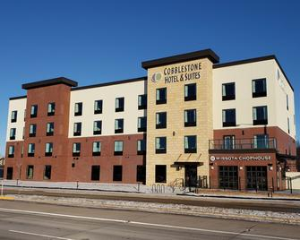 Cobblestone Hotel & Suites - Appleton International Airport - Neenah - Building
