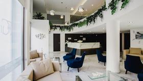 弗蘭吉爾吉奧公寓酒店 - 拉納卡 - 拉納卡 - 建築