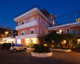 Hotel Eden Bleu - Vico Equense - Gebouw