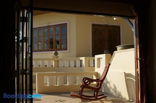 Prince Edouard Apartment & Resort - Patong - Balcony