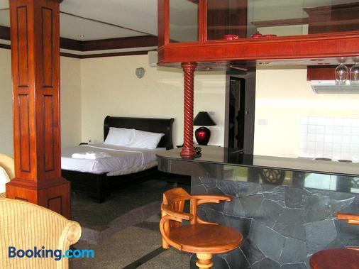 Prince Edouard Apartment & Resort - Patong - Bedroom