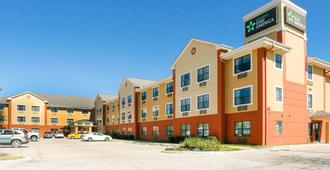 Extended Stay America - Houston - Greenway Plaza - Houston - Building