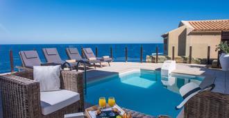 海邊溫泉渡假酒店 - 式 - Malevizi (美維茲) - 阿吉亞佩拉吉亞 - 游泳池