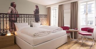 Small Luxury Hotel Goldgasse - Salzburg - Bedroom