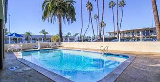 Motel 6 San Diego Airport Harbor - San Diego - Piscina