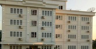 Venus Star Hotel - Rangún