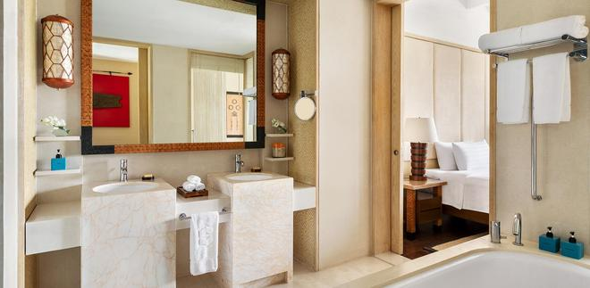 香格里拉長灘島度假酒店 - 長灘島 - 浴室