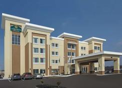 La Quinta Inn & Suites by Wyndham Springfield IL - Springfield - Rakennus