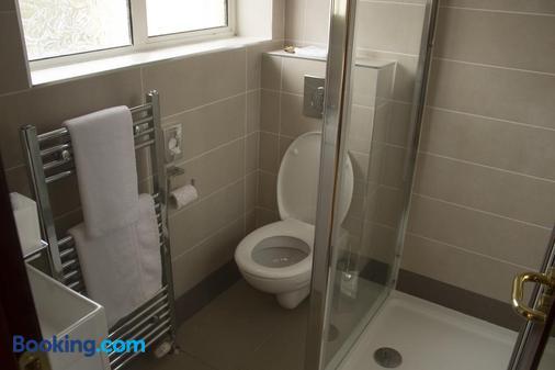 Beaumont House - Raheny - Bathroom