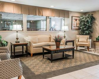 Comfort Inn Utica - Utica - Lobby