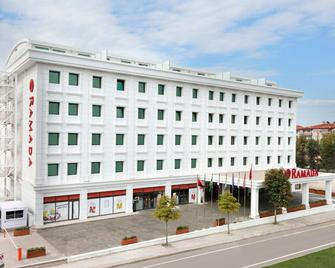 Ramada by Wyndham Yalova - Yalova - Building