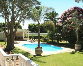 Valley Lodge - Hillcrest - Pool