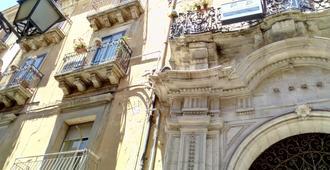 Palazzo Aprile - Caltagirone - Vista del exterior