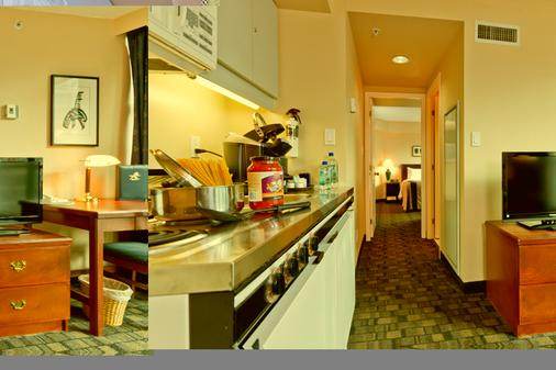 Rosedale On Robson Suite Hotel - Βανκούβερ - Κουζίνα