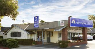 Americas Best Value Inn Livermore - Livermore - Κτίριο