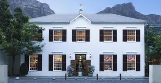 Vineyard Hotel - Cape Town - Building