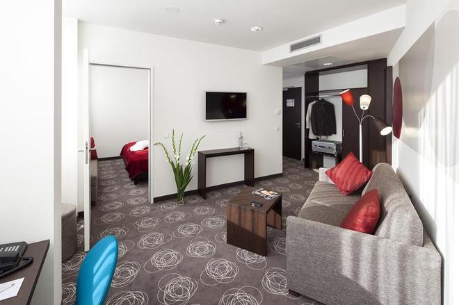 Webers - Das Hotel Im Ruhrturm - Essen - Living room