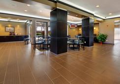 Best Western Plus Seawall Inn & Suites by The Beach - Galveston - Hành lang