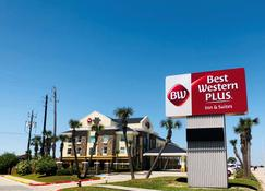 Best Western Plus Seawall Inn & Suites by The Beach - Galveston - Bangunan