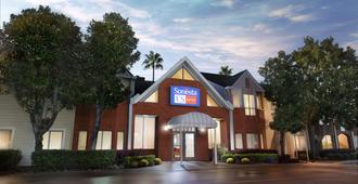Sonesta ES Suites Houston - Nasa Clear Lake - יוסטון - בניין