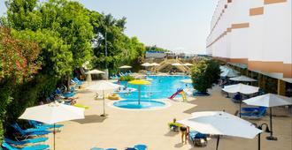 Avlida Hotel - פאפוס - בריכה